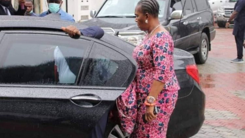 Joy Nunieh gets into Wike's official car on Thursday, July 16, 2020 (TheCable)