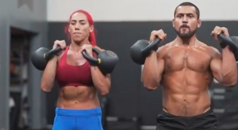 All You Need For These Full-Body Supersets Is a Pair of Kettlebells