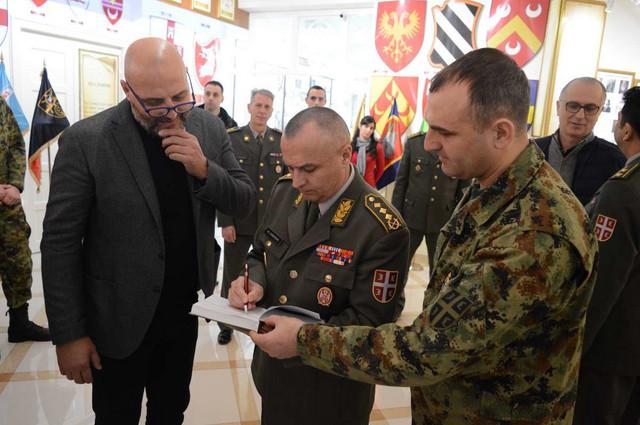 Selektor Srbije Aleksandar Đorđević sa naočarima