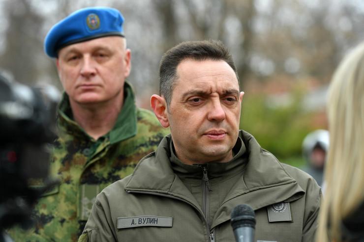Vojska Srbije kasarna Dedinje motocikli Aleksandar Vulin Tanjug MINISTARSTVO ODBRANE DARIMIR BANDA