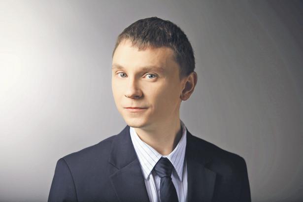 Marcin Robenek starszy prawnik w zespole special cases/risk and support, kancelaria GESSEL