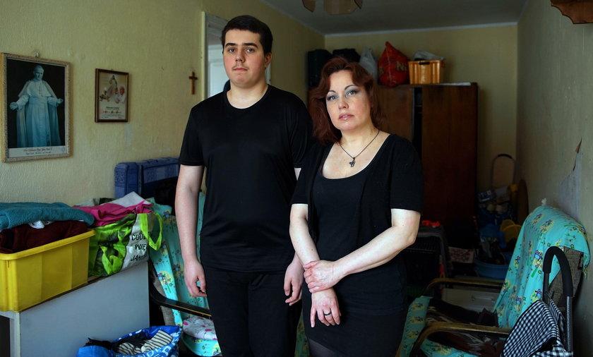 Sylwia Chełminacka (45 l.) z synem Aleksandrem (15 l.)