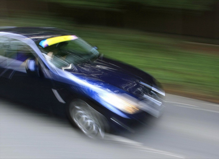 brza vožnja auto
