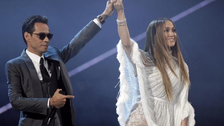 Byli małżonkowie wystąpili razem na scenie podczas gali Latin Grammy Awards w Las Vegas...