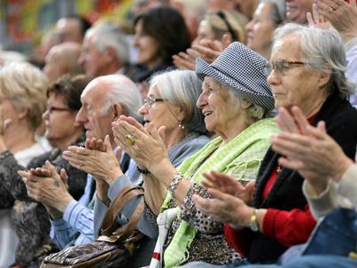 Połowa emerytów nie rezygnuje z pracy