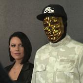 ON JE OSOBA ČIJE LICE NIKO NIKADA NIJE VIDEO: Otkrivamo ko je muškarac koji stoji iza zlatne maske, a o kome od sinoć Srbija priča
