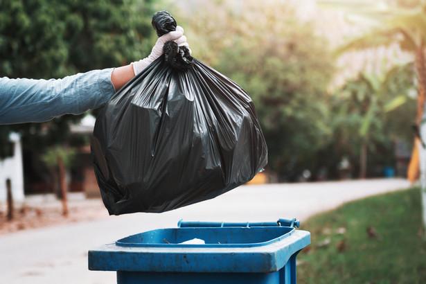 Prokuratury występują do gmin o zmianę sposobu naliczania stawek za odpady – ostatnio na Pomorzu i Lubelszczyźnie.