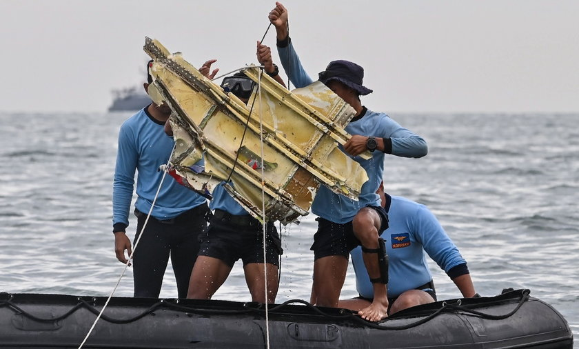 Indonesia continues search for debris of Sriwijaya Air flight SJ-182