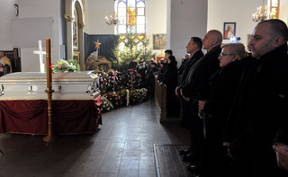 'FAZ' o pogrzebie polskiego kierowcy: Międzynarodówka ofiar terroryzmu