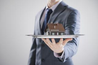 Tanie mieszkanie sprzedam jeszcze taniej, czyli blues pośrednika po deregulacji