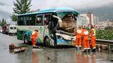 Kierowca autobusu poświęcił się dla pasażerów. Okrzyknęli go bohaterem