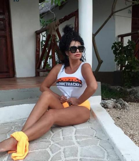 Lidija Vukićević je otputovala na Zanzibar, a NJEGOVO IME je NAPISALA na pesku!