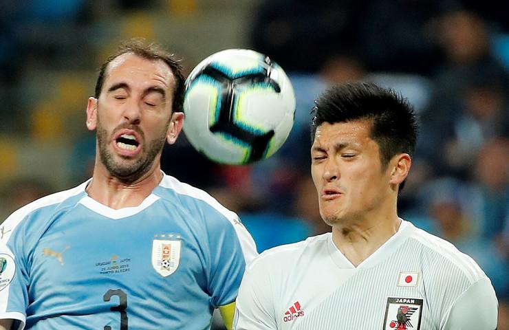 Fudbalska reprezentacija Urugvaja, Japana, Dijego Godin