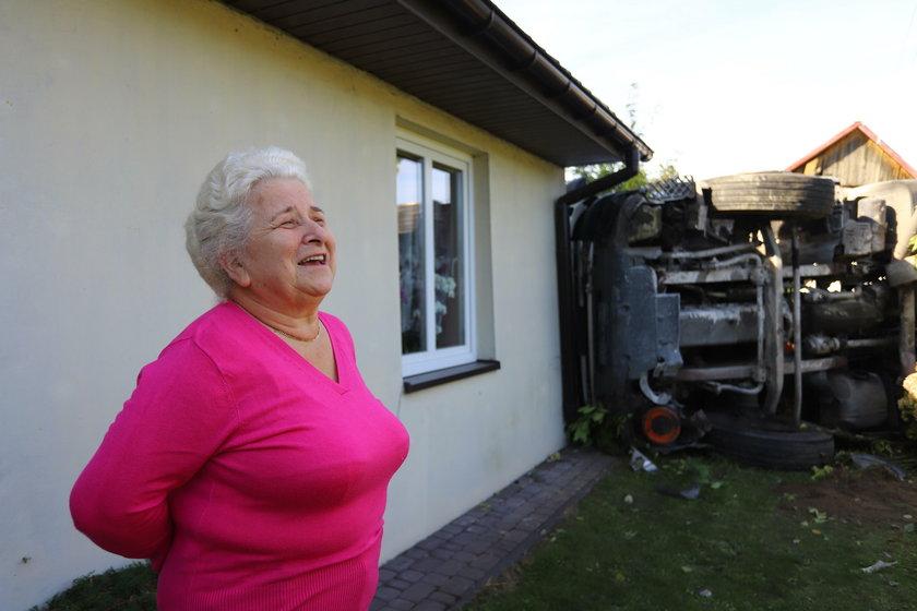 Polichna: Tir uderzył w dom. Kierowca był pijany