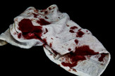 krvava odeca shutterstock_651537550