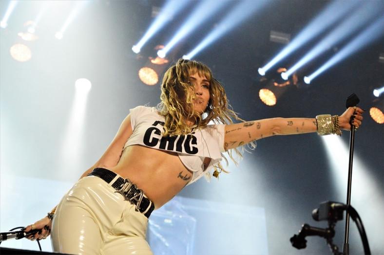 Miley Cyrus na scenie Orange Warsaw Festival; 1 czerwca 2019