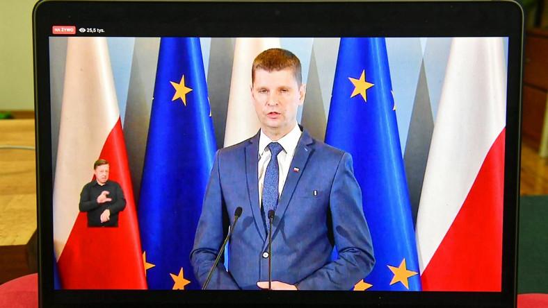 Szko U0142y Nadal Zamkni U0119te Minister Piontkowski Poda U0142 Nowy