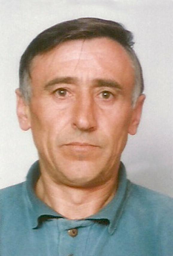 """Stevan (1953–2011.) Otac fudbalera ubijen je u 58. godini. Njega je sa dva hica iz skraćene puške, """"krateža"""", 8. juna 2011. u porodičnoj kući u mestu Glavičice kod Bijeljine ubio otac Savo zbog dugogodišnjih porodičnih razmirica."""