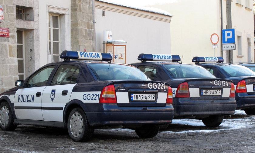 Policyjne radiowozy