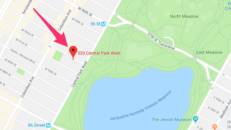 Barbra Streisand's old apartment is located at 320 Central Park West — also known as the Ardsley — on Manhattan's Upper West Side, between Central Park and the Hudson River.