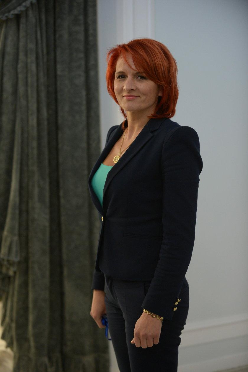 Posłanka PiS jest pielęgniarką i byłą przewodniczącą Rady Miejskiej w Łomży