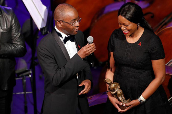 Zimbabwean Billionaire Strive Masiyiwa And Wife Receive British Award For Philanthropy