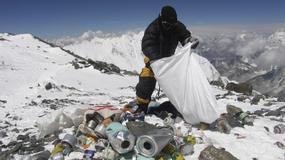 Himalaiści będą zbierać śmieci na Evereście - każdy członek wyprawy ma znieść dodatkowe 8 kg; nowe przepisy od kwietnia 2014