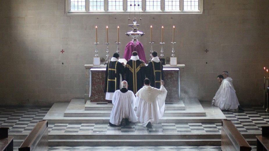 """Co naprawdę zmienił Papież w sprawie """"Traditionis Custodes""""? Rozmawiamy z Liturgistą"""