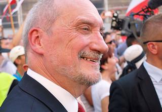 Sąd Apelacyjny uchylił wyrok nakazujący Macierewiczowi przeproszenie byłego agenta WSI