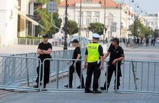Zieliński: Liczba policjantów na miesięcznicach dostosowana do zagrożeń