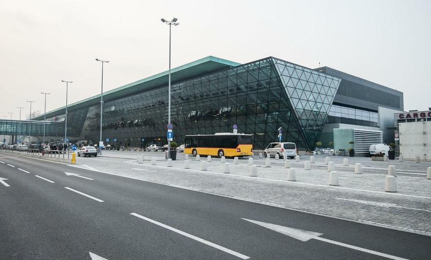 Awaryjne lądowanie samolotu w Krakowie