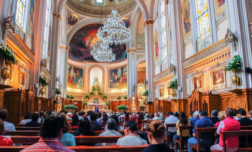 Uczniowie zamiast na lekcje poszli do kościoła