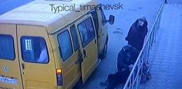 Kierowca busa zostawił na mrozie pasażerkę z udarem mózgu