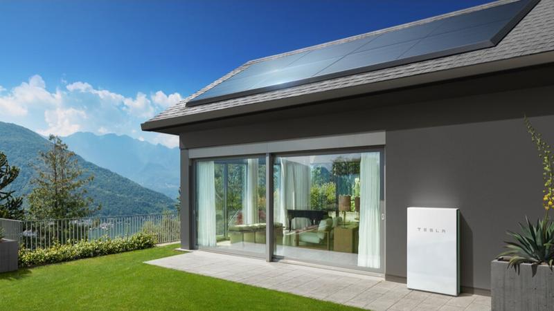 Elon Musk roztacza wizję zasilania kraju energią słoneczną