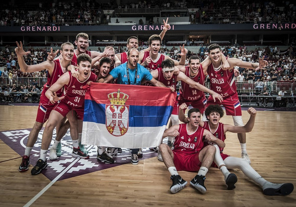 Juniorska košarkaška reprezentacija Srbije slavi evro-titulu u Rigi