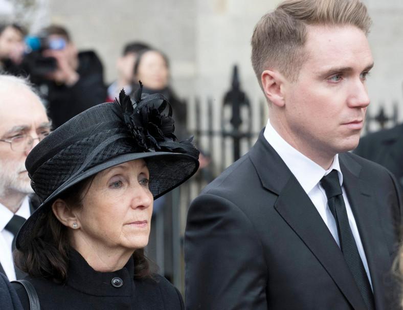Jane Hawking i Timothy Hawkin, żona i syn
