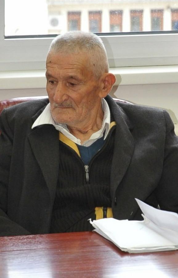 Savo (1928–2012.) Deda, po kome je reprezentativac Srbije i dobio ime, preminuo je u 84. godini u Kazneno-popravnom zavodu u Foči. Umro je 29. oktobra 2012. u ćeliji gde je služio sedmogodišnju kaznu zbog ubistva sina jedinca Stevana.