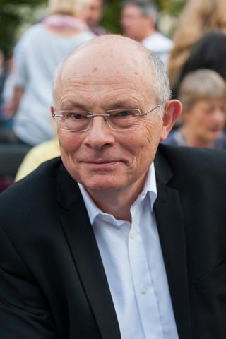 """Borowski: Głosowanie """"na dwie ręce"""" powoduje erozję wiary w Polskę"""