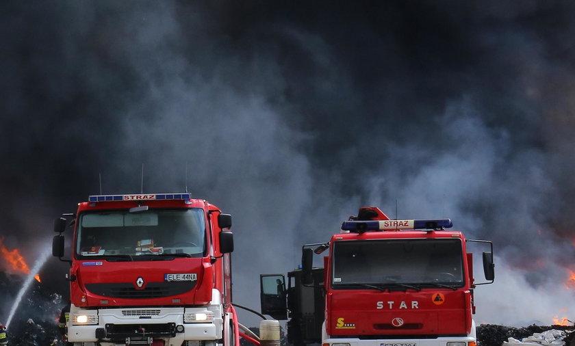 Pożar zakładów chemicznych w Kędzierzynie-Koźlu. Miasto spowija gęsty dym