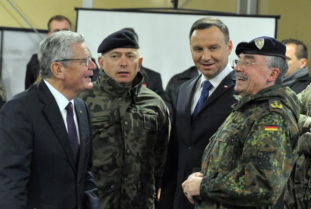 Prezydenci Polski Andrzej Duda i Niemiec Joachim Gauck odwiedzili kwaterę główną Wielonarodowego Korpusu Północno-Wschodniego w Szczecinie.