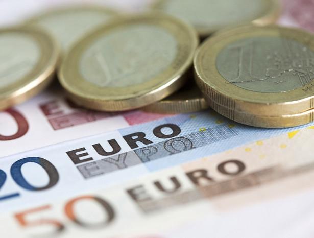 Małym i średnim firmom w strefie euro coraz trudniej uzyskać kredyt