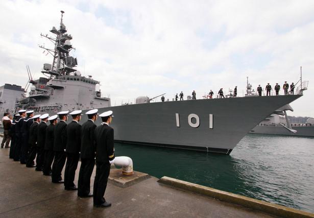 Liczebność armii: *Całkowity personel wojskowy: 311 tys. *Aktywny personel wojskowy: 248 tys. *Personel rezerwowy: 63 tys. Budżet obronny: 43,8 mld dol. Siły powietrzne: *Całkowita liczba statków powietrznych: 1 594, w tym śmigłowce: 659 Wozy bojowe: *Czołgi: 700 *Pojazdy pancerne: 2 850 *Artyleria samobieżna: 202 *Działa holowane (armaty): 500 *Wyrzutnie rakietowe: 99 Siły morskie: *Ogółem: 131 *Lotniskowce: 4 *Niszczyciele: 42 *Łodzie podwodne: 17 *Okręty patrolowe: 6 *Stawiacze min: 25
