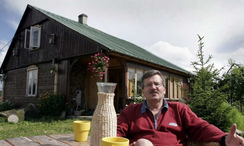 10 dni po zaprzysiężeniu na prezydenta, Bronisław Komorowski czmychnął na tygodniowe wakacje. Bawił na litewskiej Mierzei Kurońskiej, gdzie nie do końca był wolny od obowiązków.