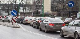 Miasto stanęło w korkach po powrocie tramwajów na most Uniwersytecki