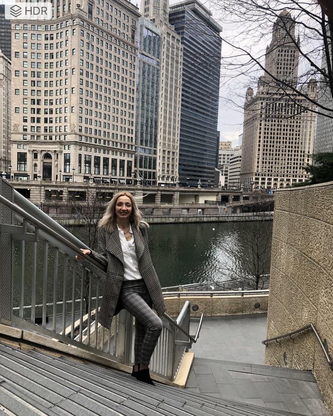 Čikago je tradicioanalan, poslovan, čist, strog i organizovan grad u kome jedino klima može da bude surova