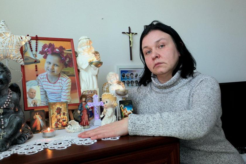 Pani Agnieszka niedawno straciła ukochaną córeczkę. Oleńka miała tylko 9 lat. Zmarła na raka
