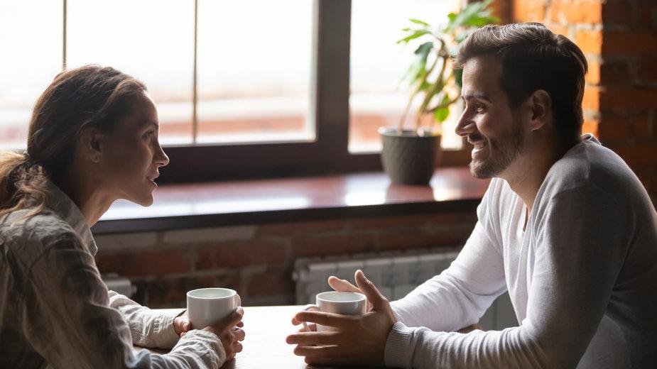 Niektóre zachowania mogą zrujnować pierwszą randkę - fizkes/stock.adobe.com