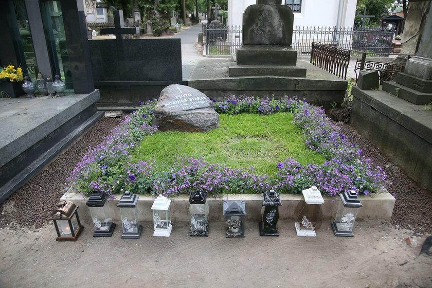 Grób Piotra Woźniaka Staraka na Powązkach