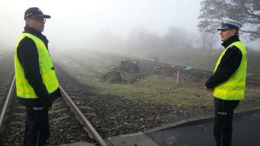 W momencie wypadku na przejeździe była gęsta mgła