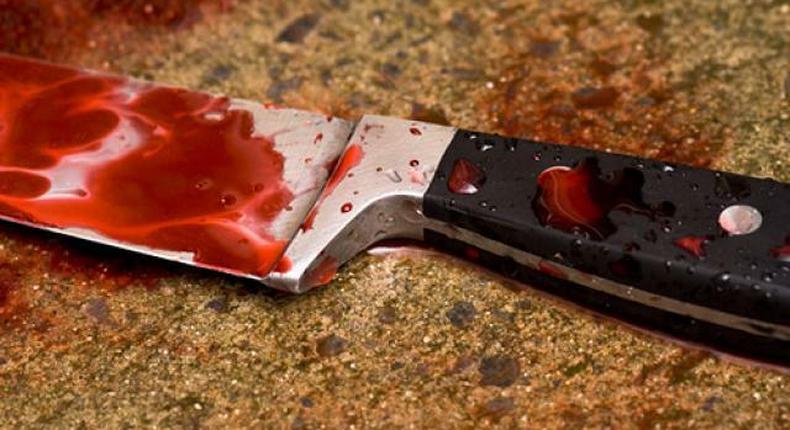 Couteau-meurtre-blood-sang-knike